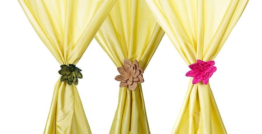 embrasses-pour-rideaux-avec-trois-fleurs-de-couleur-differente