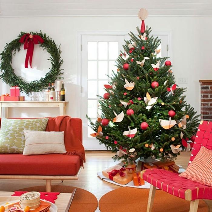 en-rouge-et-vert-decoration-sapin-de-noel-magnifique-deco-noel-originale