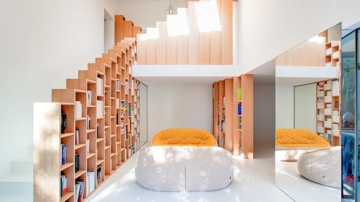 etagere-escalier-colonne-bibliotheque-design-en-bois-rangement-mural-haut