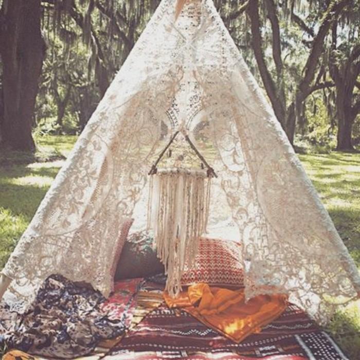 comment fabriquer un tipi 60 id es pour une tente. Black Bedroom Furniture Sets. Home Design Ideas