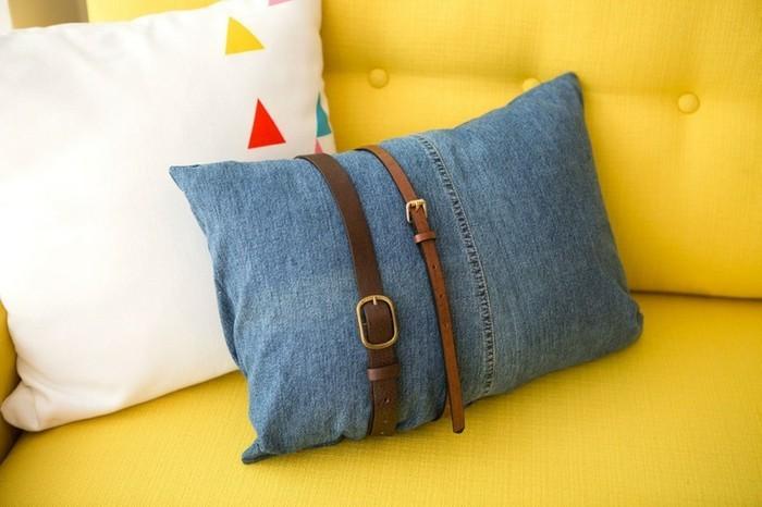 faire-un-coussin-en-jeans-usages-canape-jaune