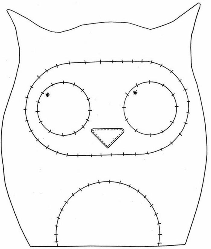 faire-un-coussin-modele-de-hibous-contures-a-couper