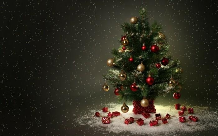 festive-petit-sapin-de-noel-decoration-ideale-festive-chouette