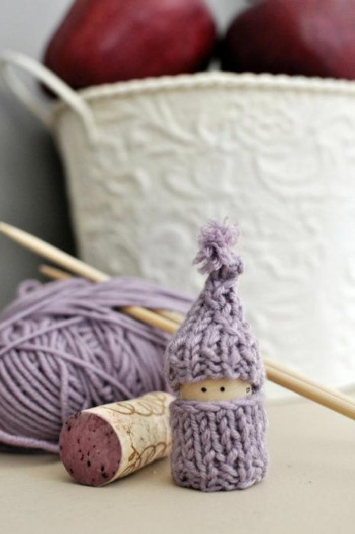 figurine-bouchon-liege-crochet-violet