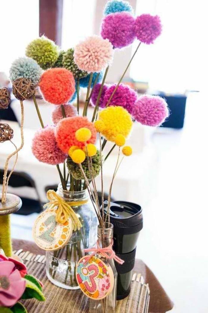 fleur-pompon-vase-de-fleurs-en-couleurs-claires-bocal-thermos-a-cafe