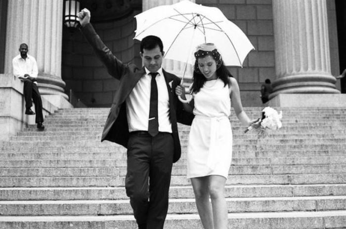 habille-robe-courte-de-mariage-robe-courte-de-mariee-jolie-photo-noir-et-blanc