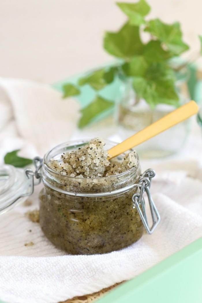 gommage-visage-maison-au-thé-vert-et-au-sucre