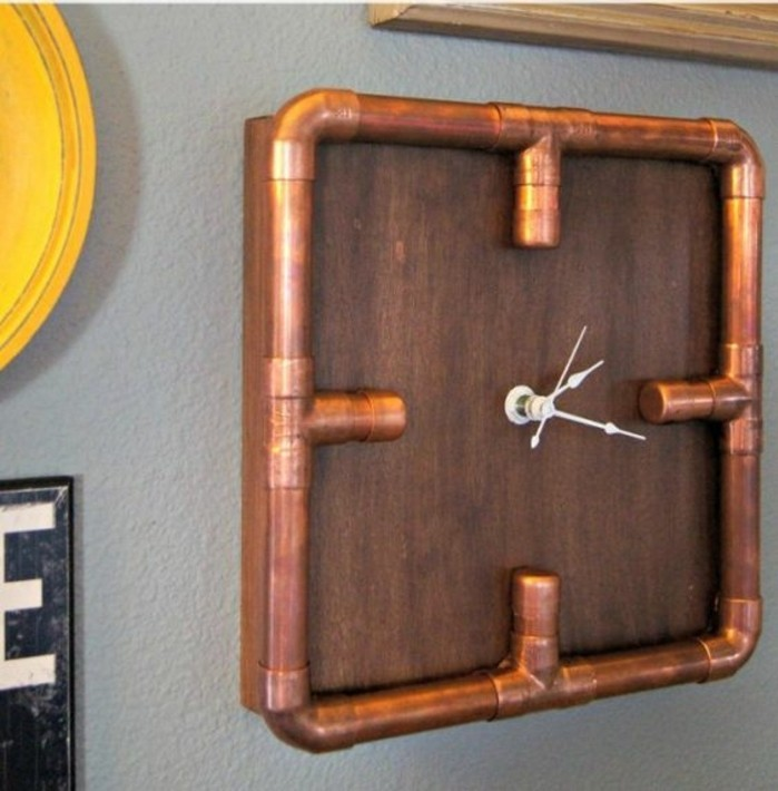 horloge-industrielle-tube-cuivre-et-bois