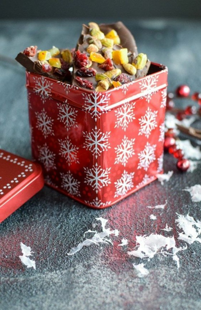 idee-cadeau-noel-diy-écorce-au-chocolat-et-oranges-confites