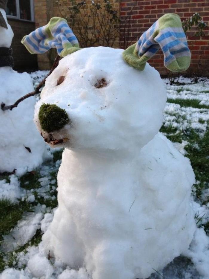 idee-comment-faire-un-bonhomme-de-neige-chouette-chien-avec-oreilles-de-shausette