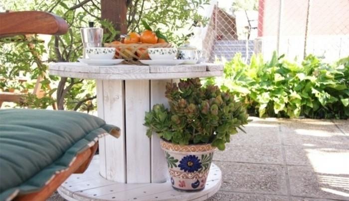 1001 id es que faire avec un touret des inspirations r cup - Banc de jardin transformable en table ...