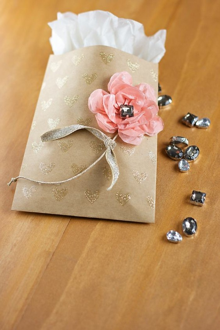 joli-sac-cadeaux-pour-bijoux-decoration-fleur
