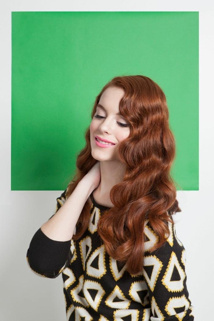 jolie-chevelure-rousse-comment-friser-ses-cheveux-avec-pinces