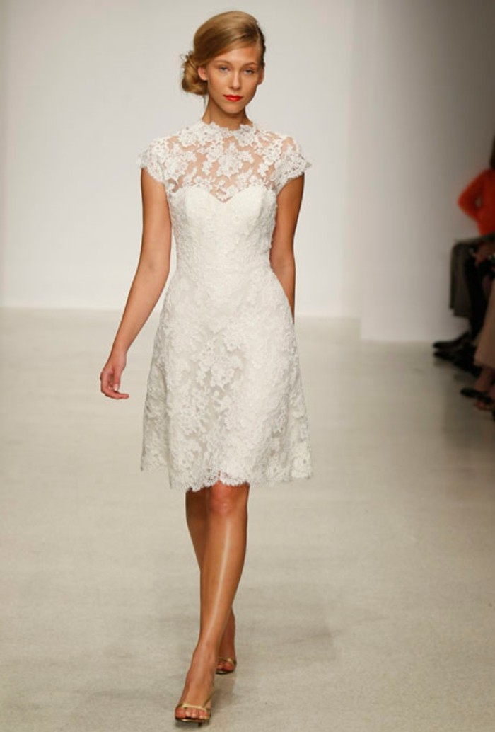 jolie-robe-de-fiancaille-courte-robe-de-mariage-civil-courte-comment-s-habiller