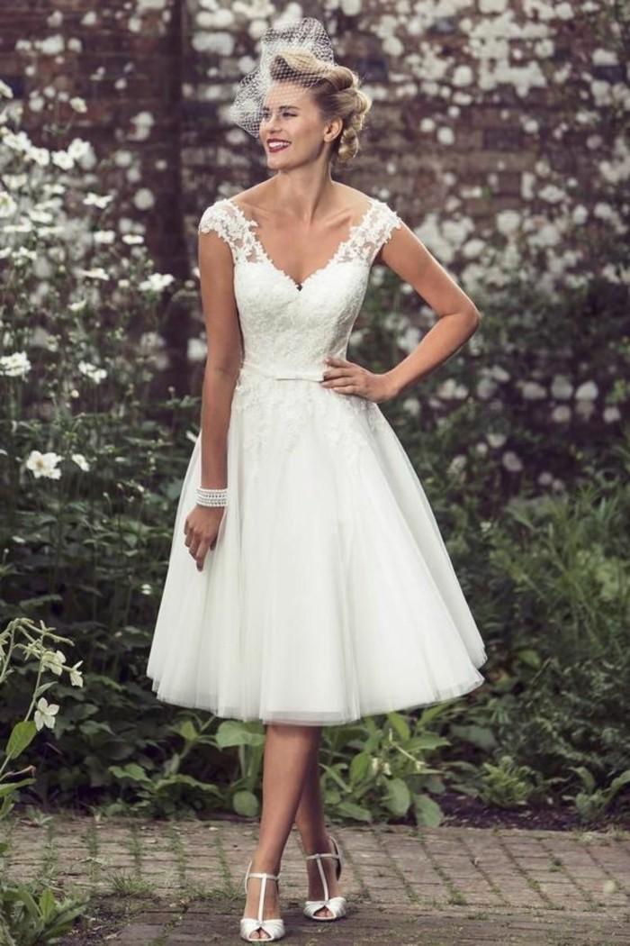 jolie-robe-de-fiancaille-courte-robe-de-mariage-civil-courte-vintage-mariage-civil