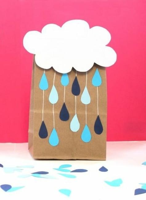 jolie-sachette-kraft-personnalise-nuage-et-de-la-pluie
