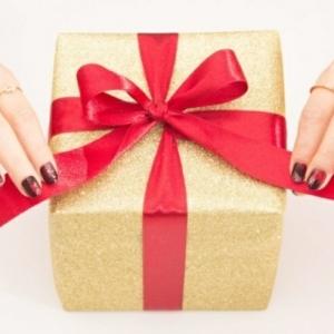 Quelle manucure de Noël choisir pour une humeur festive