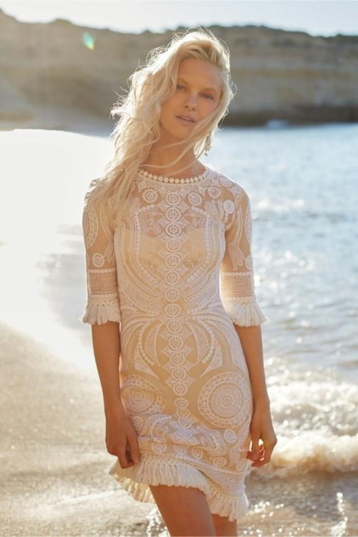 la-robe-mariee-courte-originale-robe-mariee-civile-au-bord-de-la-mer