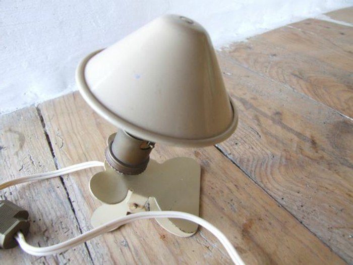 lampe-a-pince-lampe-de-bureau-originale-lame-de-travail