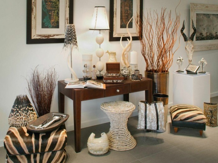 lampe-africaine-livre-cornes-plantes-lampe-photos
