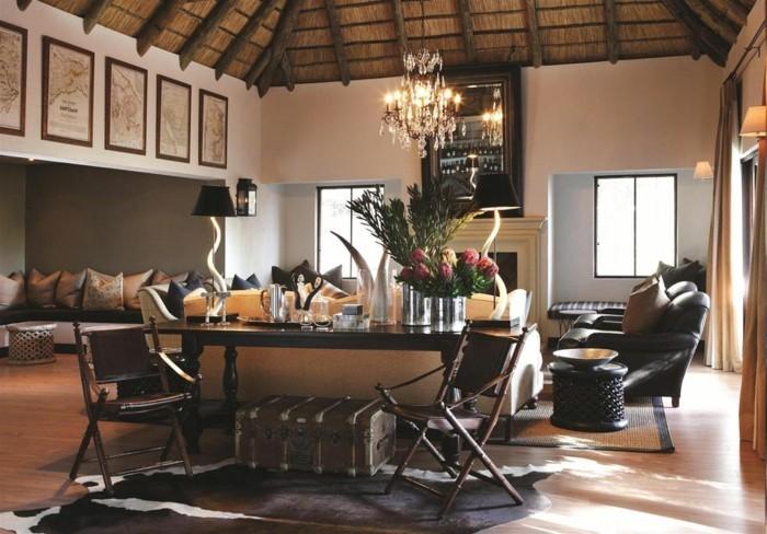 lampe-africaine-plafond-en-paille-et-en-bois-coussins-canape-fauteuil