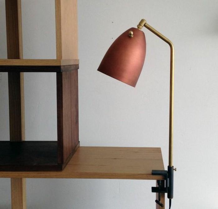 lampe-de-bureau-a-pince-belle-lampe-detagere-et-etagere-en-bois