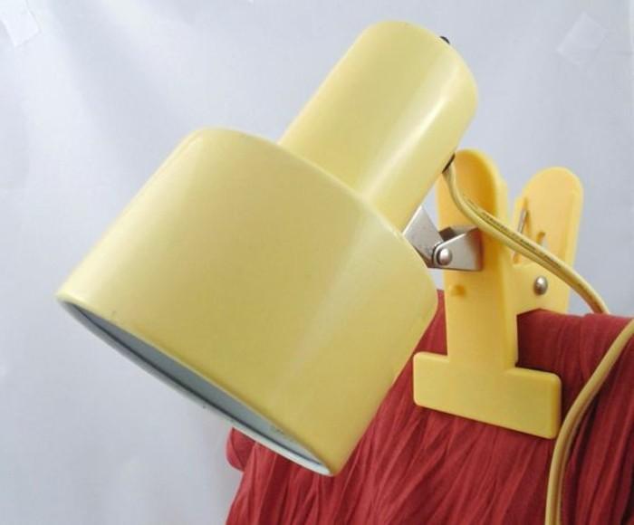 lampe-de-travail-jaune-lampe-sur-pince-style-retro