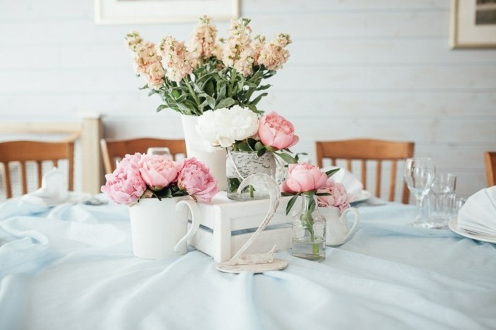 mariage-retro-chic-idee-de-decoration-table-nappe-blanche
