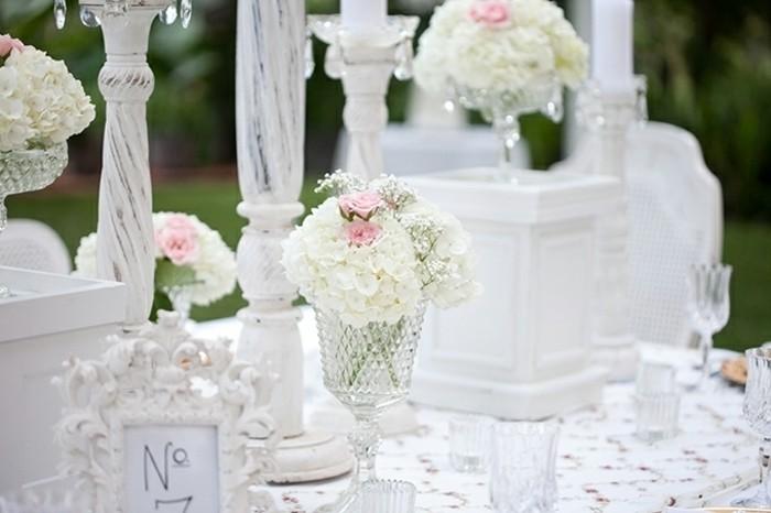 mariage-retro-chic-verres-et-vase-en-cristal