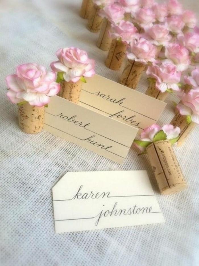 marque-places-fleur-et-bouchon-liege-decor-romantique