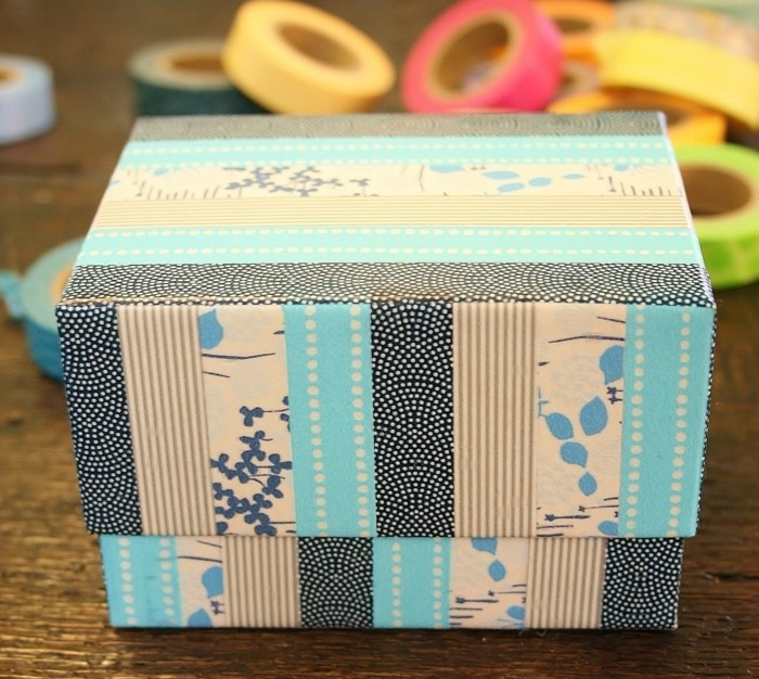 masking-tape-idees-pour-decorer-une-boite-a-cadeaux-projet-diy-a-faire-soi-meme