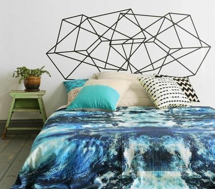 masking-tape-idees-tete-de-lit-decore-avec-des-bandes-noires-de-ruban-adhesif-en-forme-geometrique