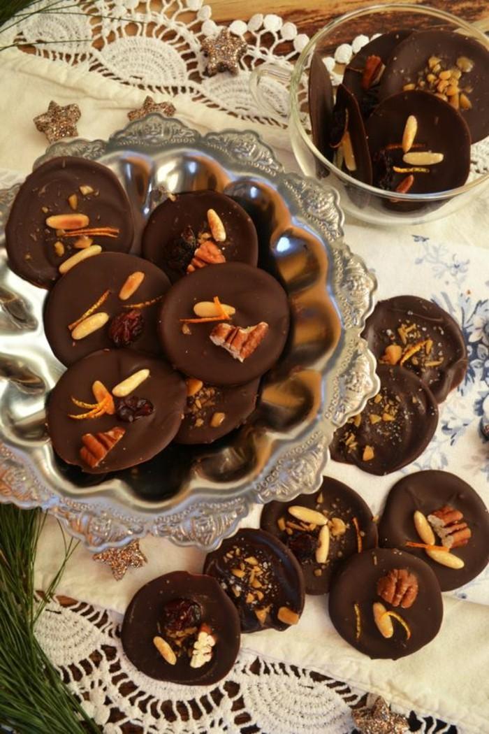 mendiant-chocolat-delices-aux-noix-de-cedre-recettes-cookies