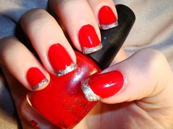 modele-nail-art-discret-nail-art-tuto-photo-atypique-french-rouge-et-argent-sparkly