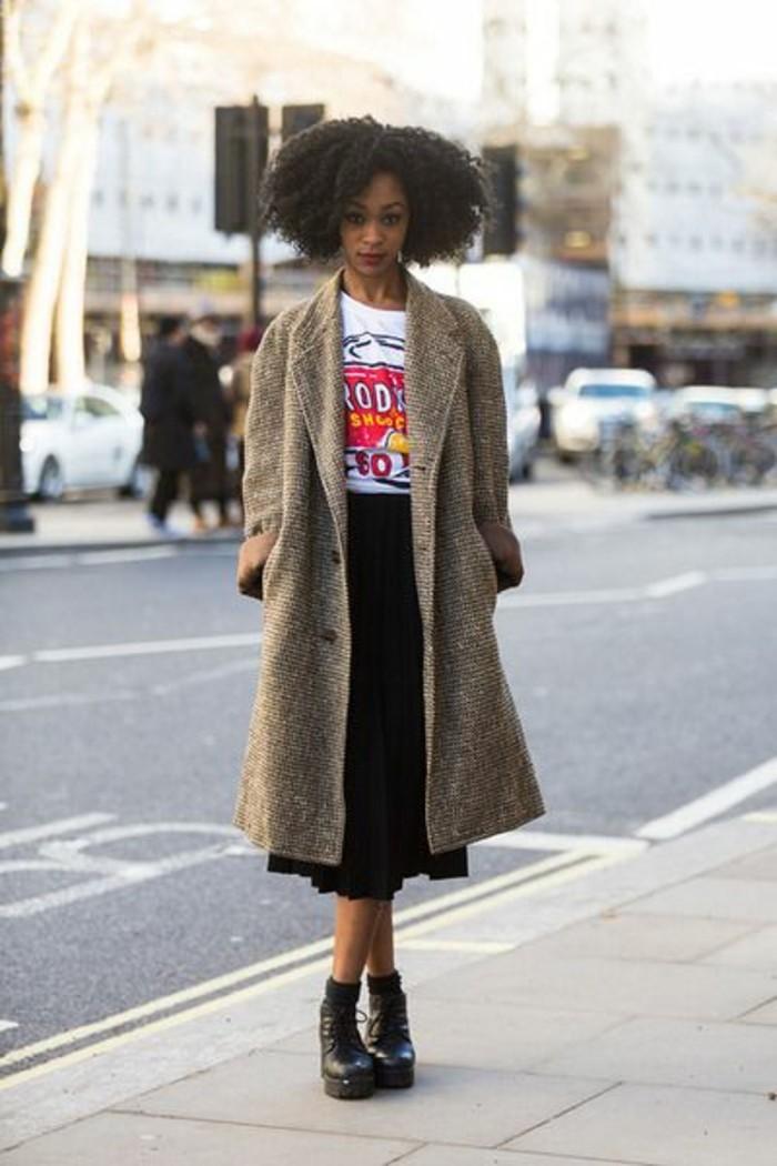 mode-de-la-rue-manteau-en-laine-femme-tendance-obersize