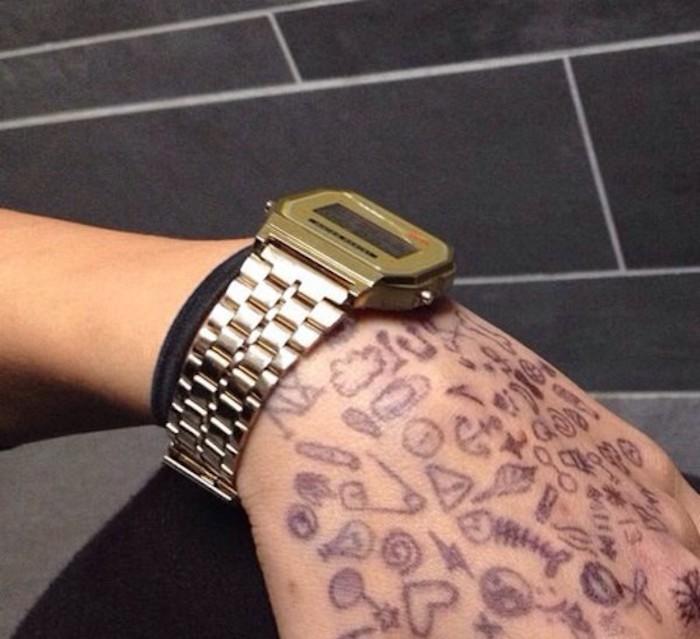 montre-casio-vintage-bracelet-or-metal-rose-gold