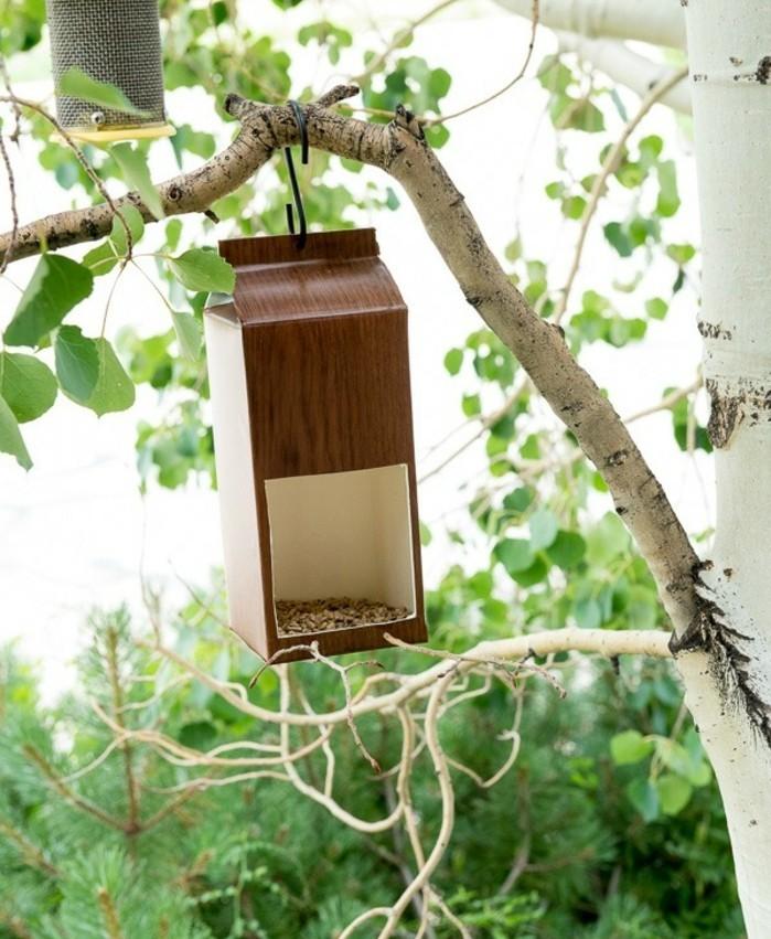 nourriture-oiseaux-boite-de-lait-transformee-diy-simple-et-facile