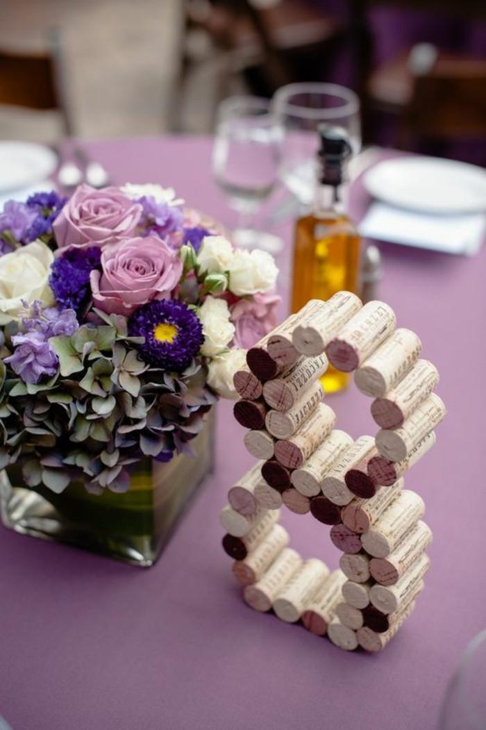 numero-marque-place-decoration-en-violet-diy-bouchon-de-liege