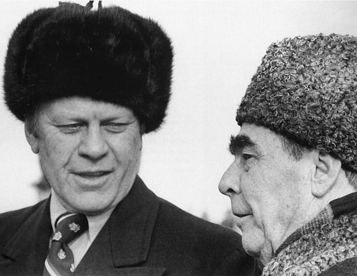 ouchanka-toque-fourrure-chapka-homme-bonnet-russe-sovieet