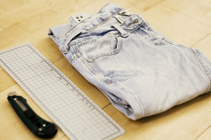 pantalon-dechire-materiaux-necessaires-pour-customiser-vos-jeans