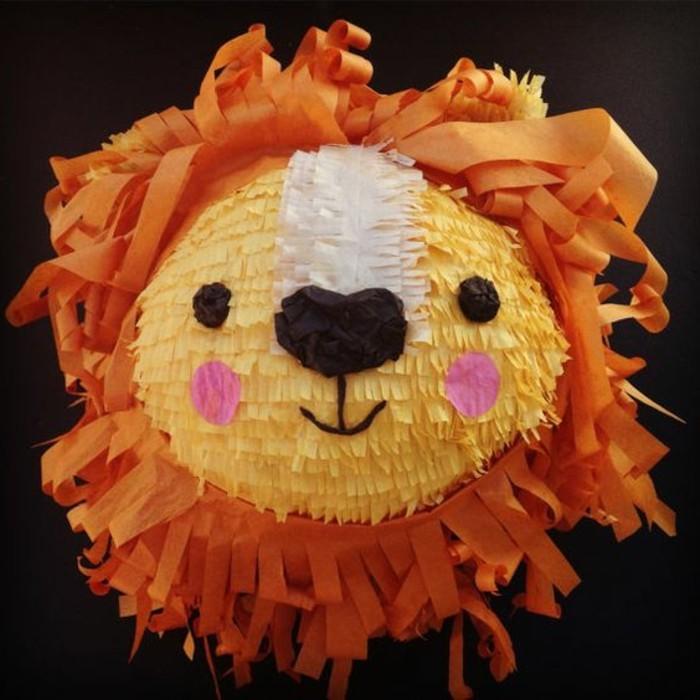 pinata-anniversaire-en-forme-d-une-tete-de-lion-activite-ludique-enfant-sympa-suggestion-pour-les-amateurs-des-animaux