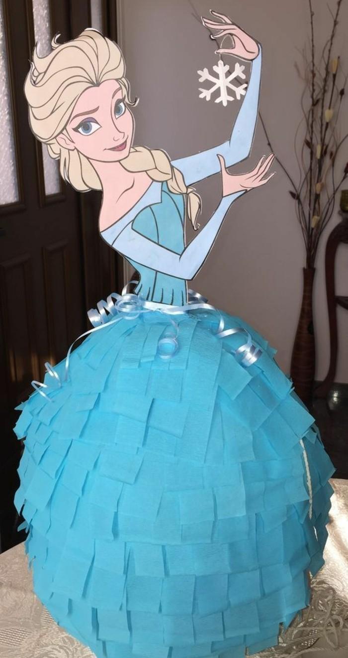 pinata-anniversaire-reine-des-neiges-pour-surprendre-une-petite-fille-idee-comment-fabriquer-une-pinata-originale