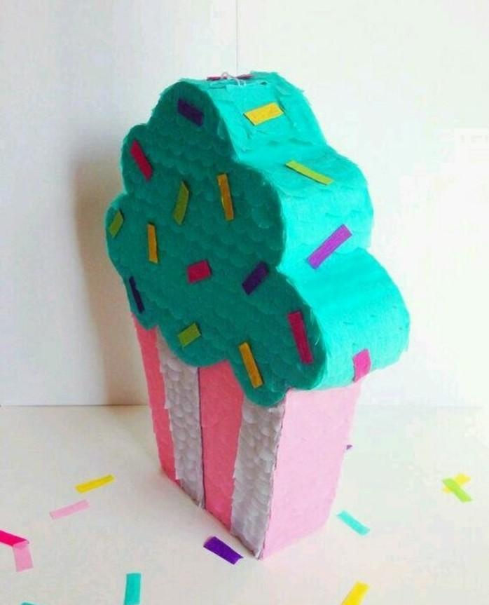 pinata-cupcake-geante-idee-comment-faire-une-pinata-soi-meme-idee-tres-coloree-et-flashy