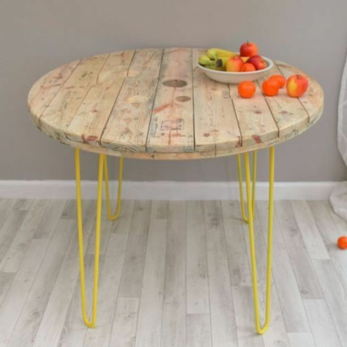 Table basse bobine bois excellent table basse bar en - Faire une table avec un touret de cable ...