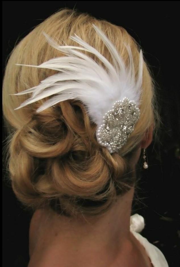 plume-dans-les-cheveux-soiree-officielle