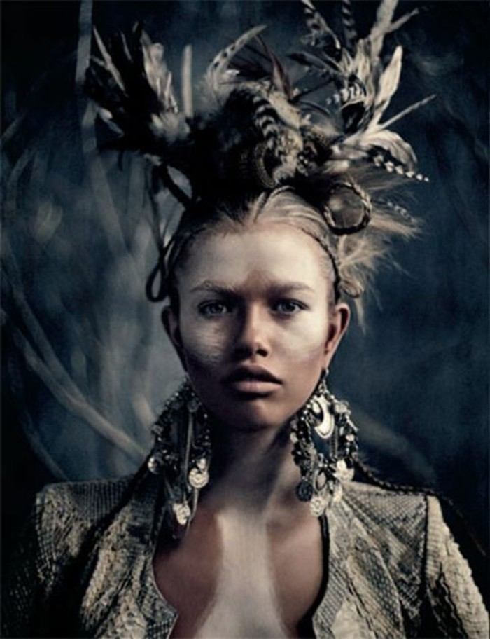 plume-pour-cheveux-boucles-doreilles-excentriques
