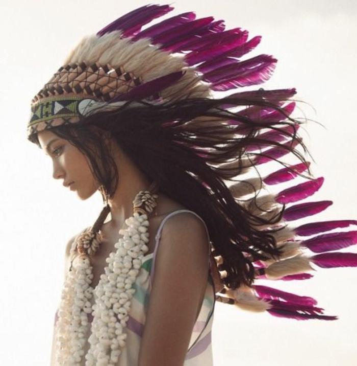 plume-pour-cheveux-couronne-de-plumes-violets-collier-enorme