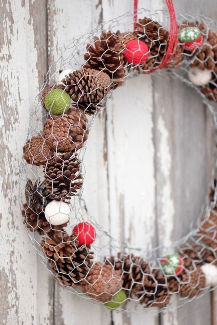 pomme-de-pin-decoration-de-noel-diy-couronne-de-noel