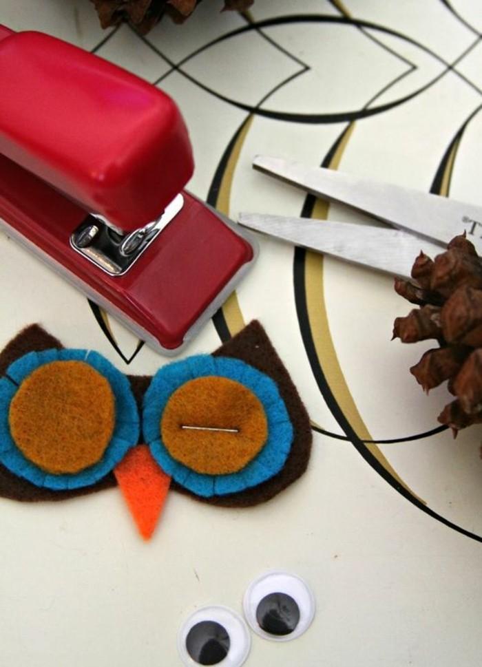 pomme-de-pins-comment-fabriquer-un-hibou-en-cone-et-en-feutrine