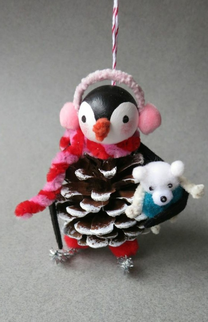 pommes-de-pin-pinguin-fait-en-fruit-de-pin-decos-handcraft